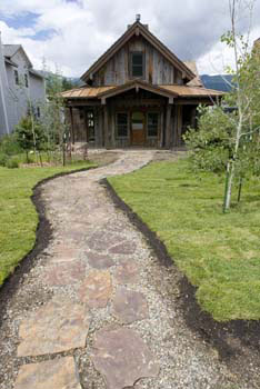 Breckenridge Historic Home - Walkway