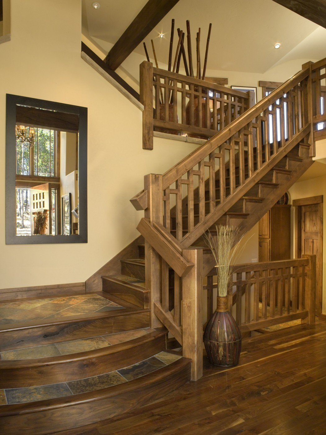 Лестницы в коттеджах: 60 фото дизайна красивых лестниц 626