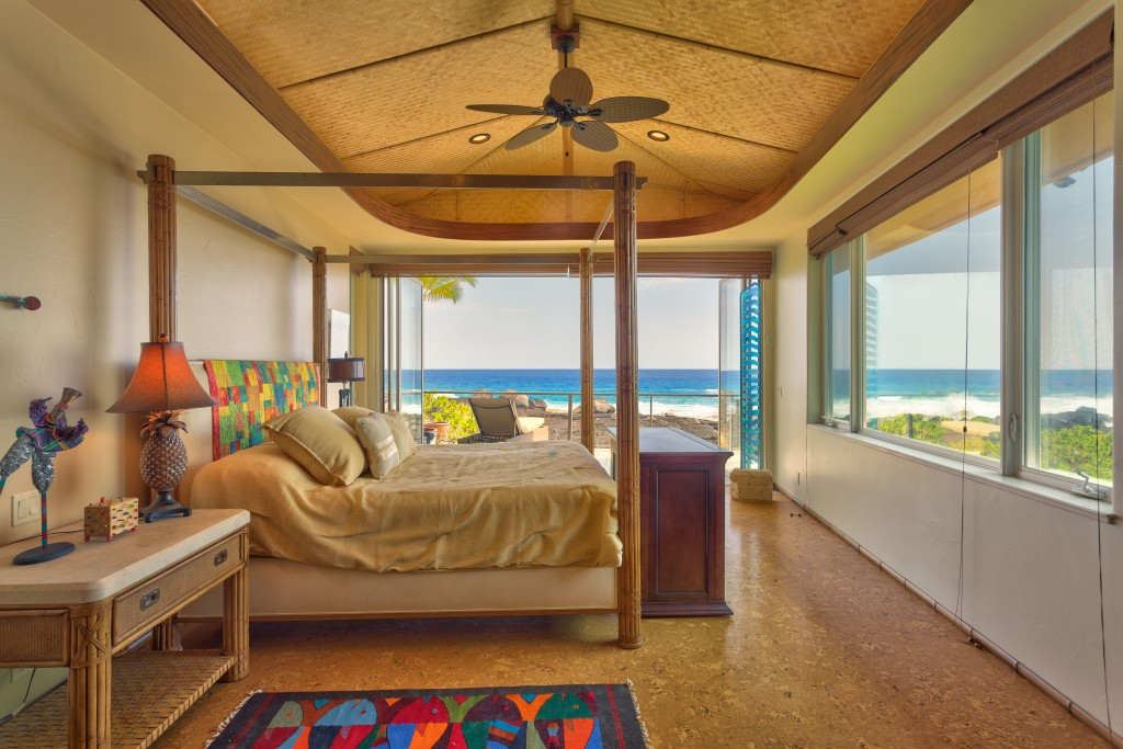 Kona Bay Bedroom