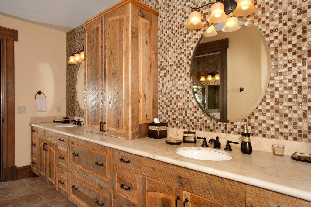 The Highlands Master Bathroom