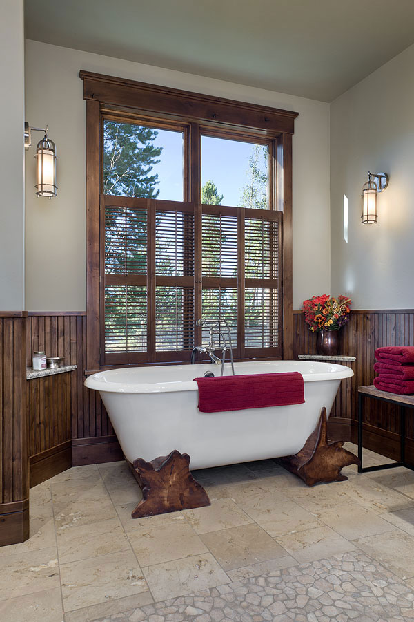 Lake View Bathtub