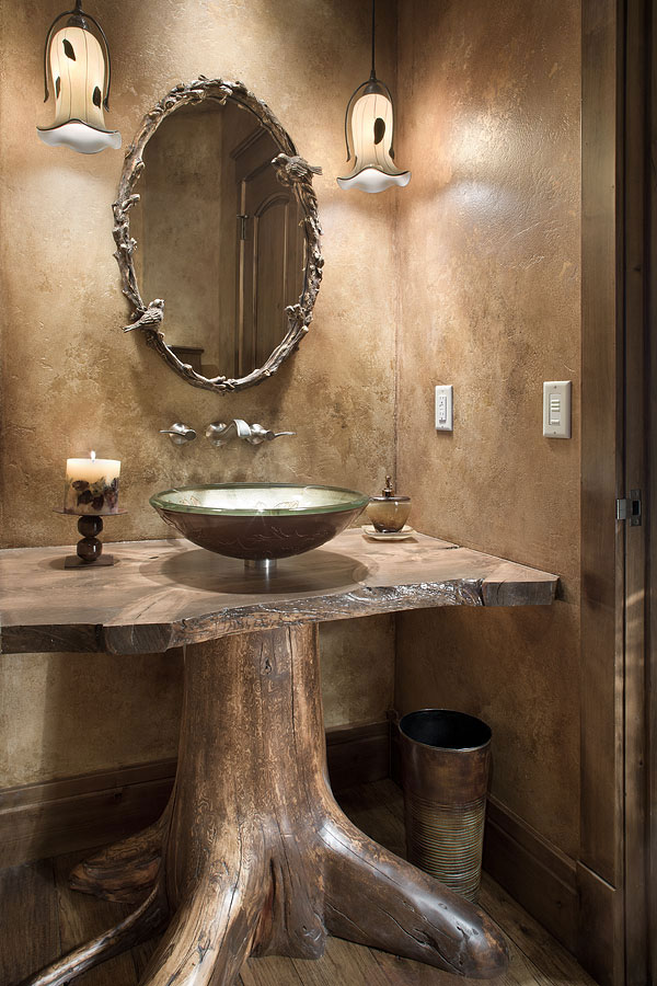 Lake View Powder room